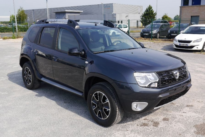 dacia duster 1 5 dci 110 black touch 4x4 neuve socx automobiles 25. Black Bedroom Furniture Sets. Home Design Ideas